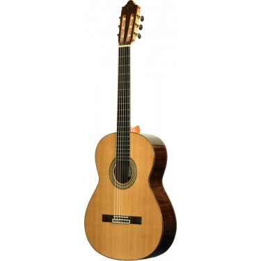 Camps CE600 Guitarra clasica electrificada