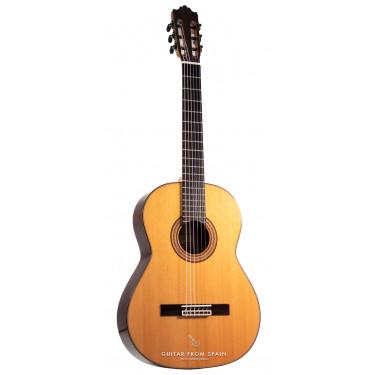 Raimundo 180 Classical Guitar